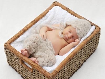 Bábätká (Newborns)
